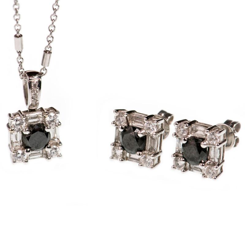 EARRINGS BLK/WHT DIAMOND STDS